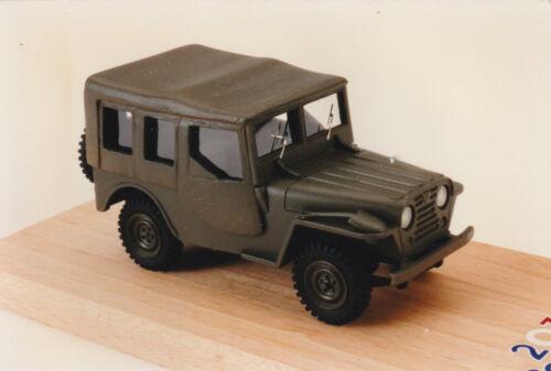 Kit pour miniature auto CCC Peugeot jeep prototype 203R ou VSP 1955 réf 92