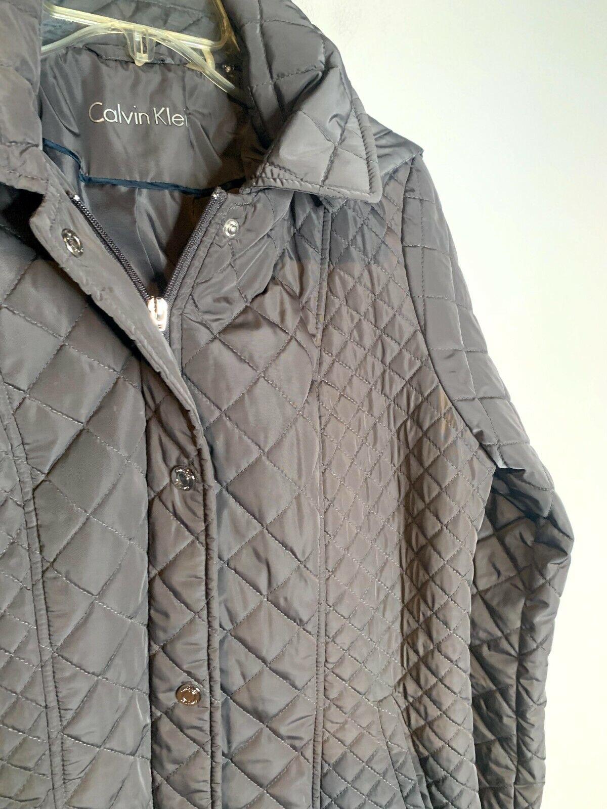 Calvin Klein grey quilted jacket - image 2