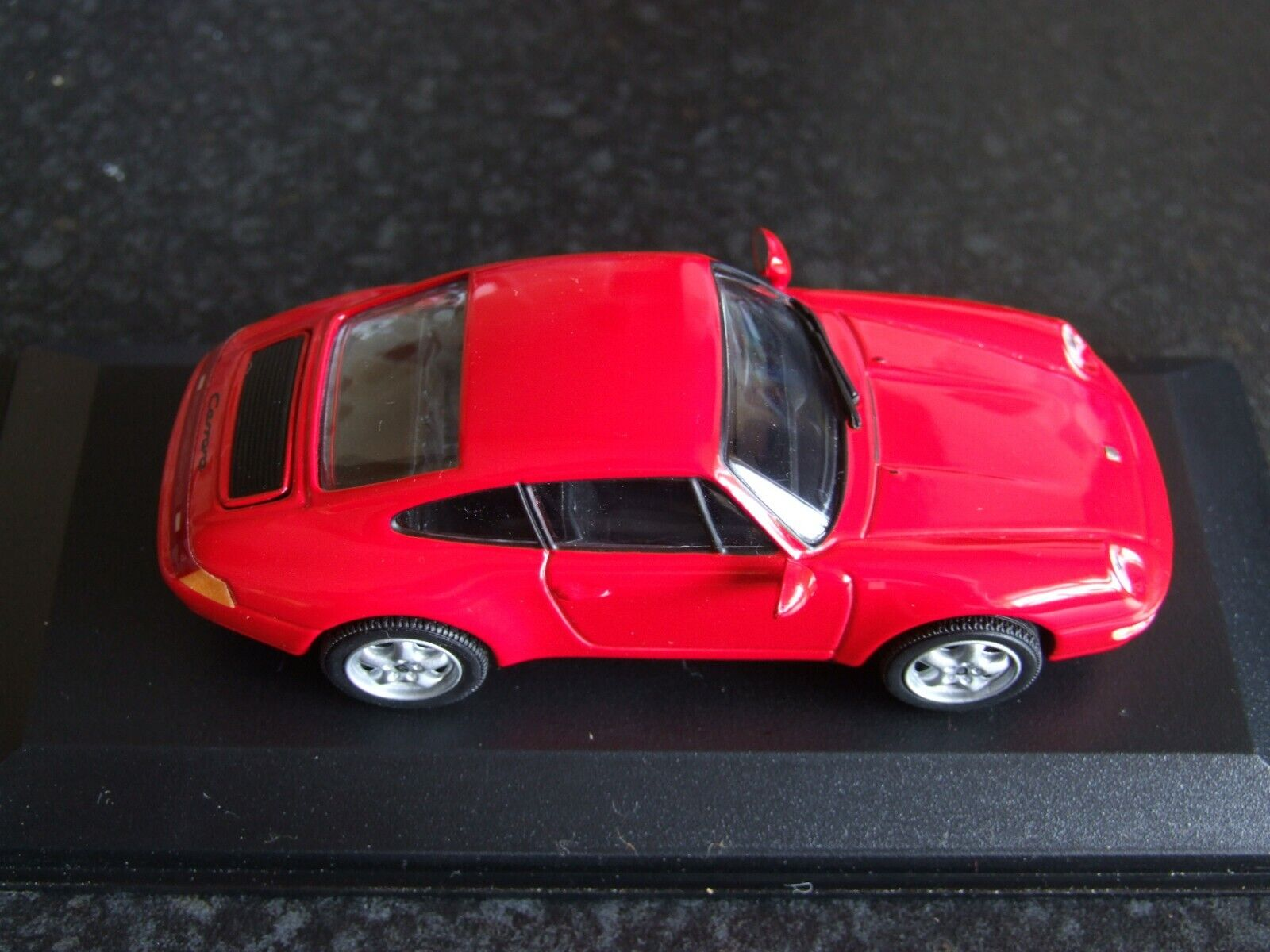 Minichamps 430063007 1 43 Porsche 911 993 Carrera - Red