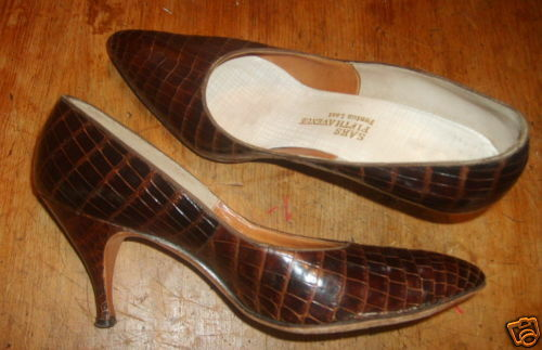 Real alligator high heel zapatos Saks Fifth Ave 5 1 2 B