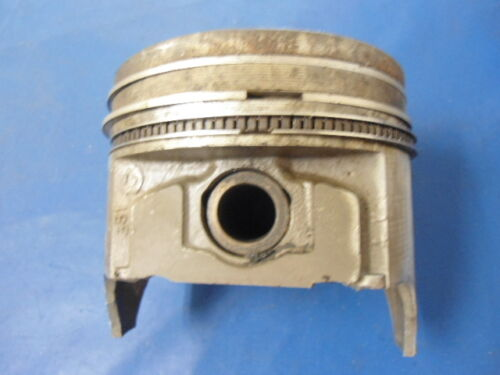 Ford 351 STD Piston W//used Rings
