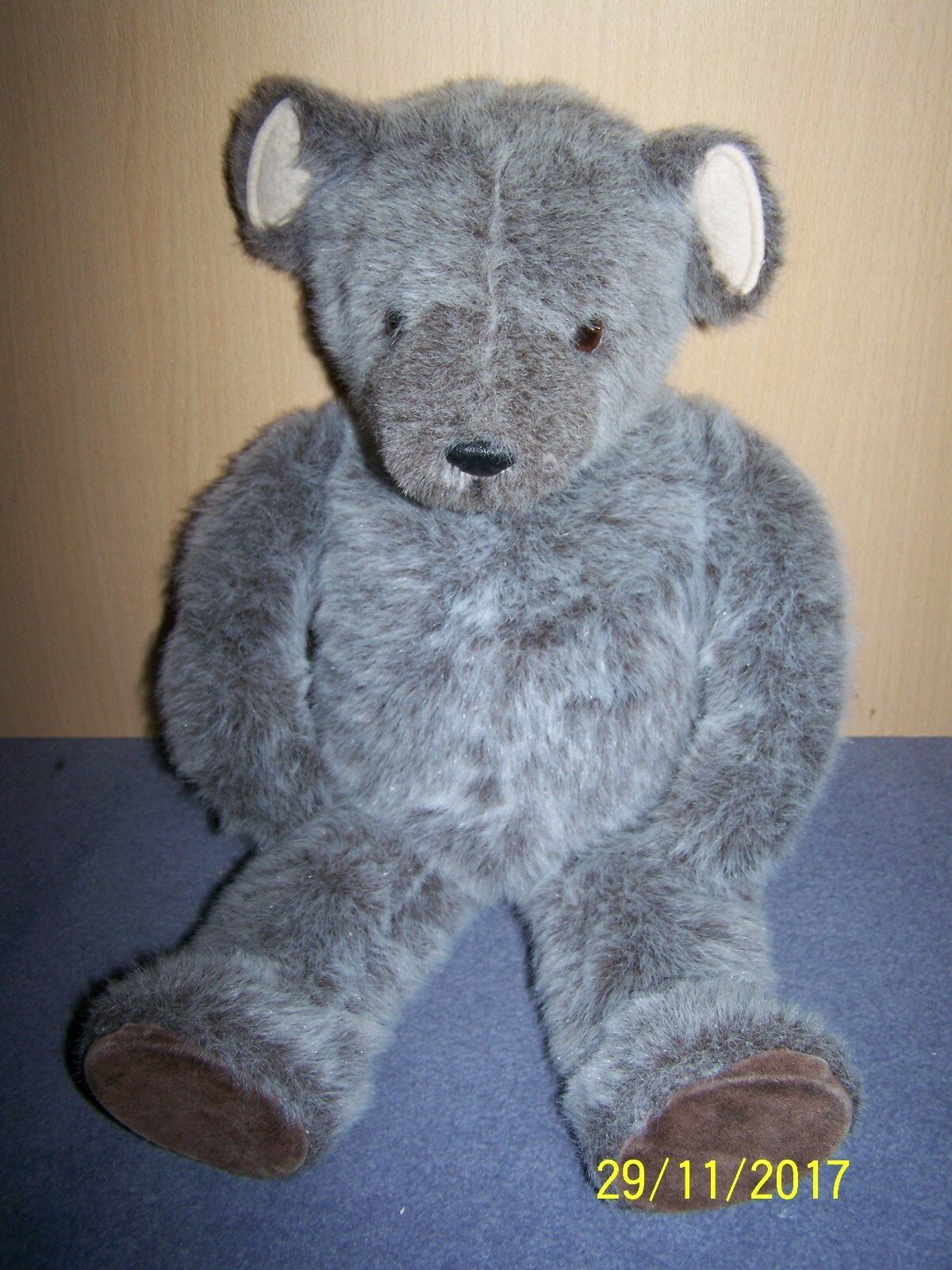 Little Folk ~ Tiverton ~ Made in England ~ G McBride ~ 1982 ~ punte Orso Grigio
