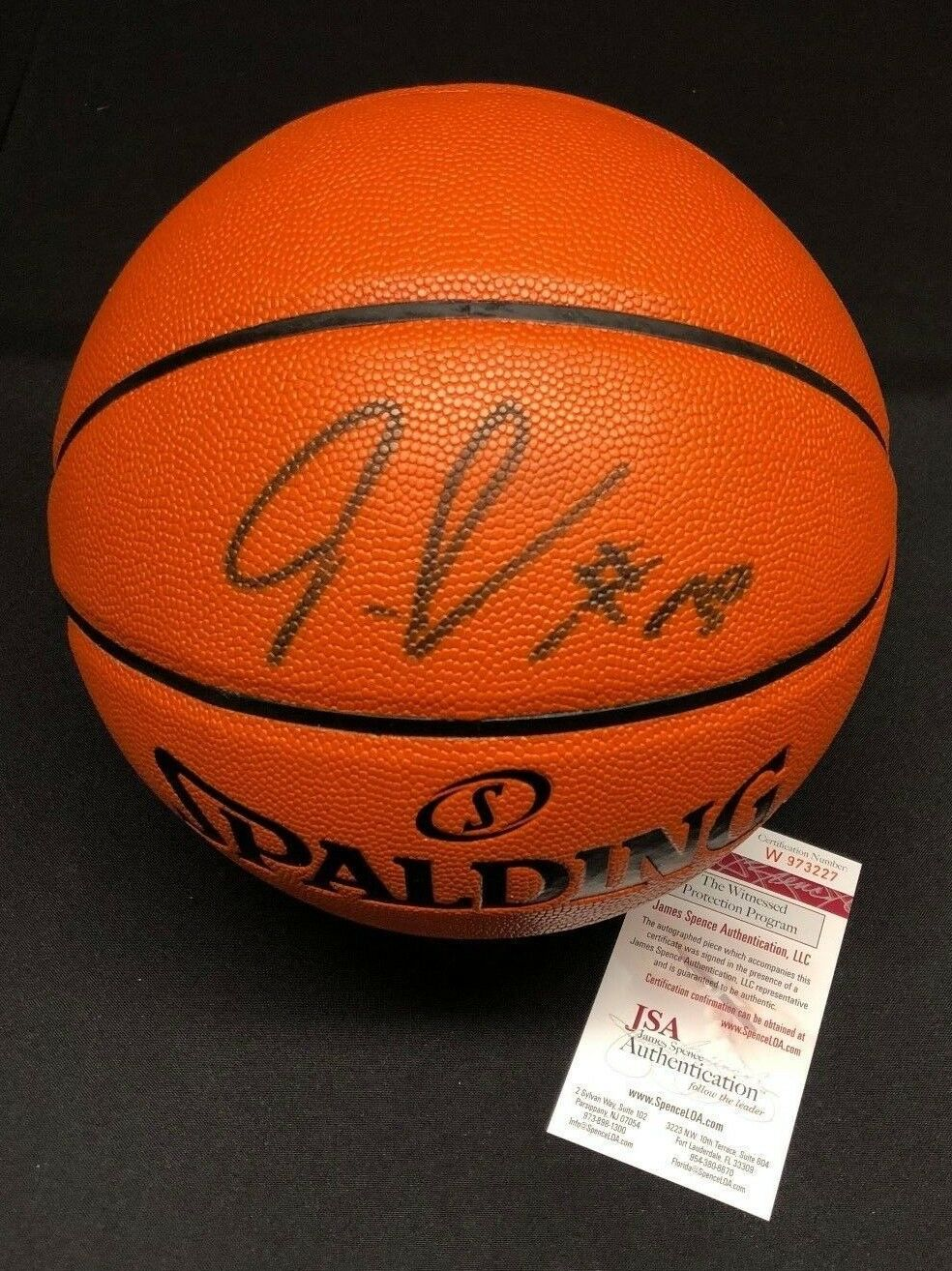 Julius Randle Signed Spalding Game Ball Series Basketball *Lakers JSA W973227
