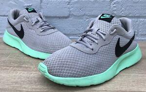 Men-039-s-Nike-tanjun-Lupo-Grigio-Nero-Verde-Bagliore-Sneaker-UK-11
