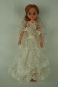 Otto-Simon-FLEUR-REDHAIRED-doll-in-WEDDING-outfit-1020-Dutch-Sindy-80-039-s