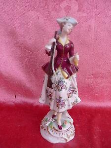 Hermosa, vieja Figura de Porcelana __ Jägerin __ Thüringen ___