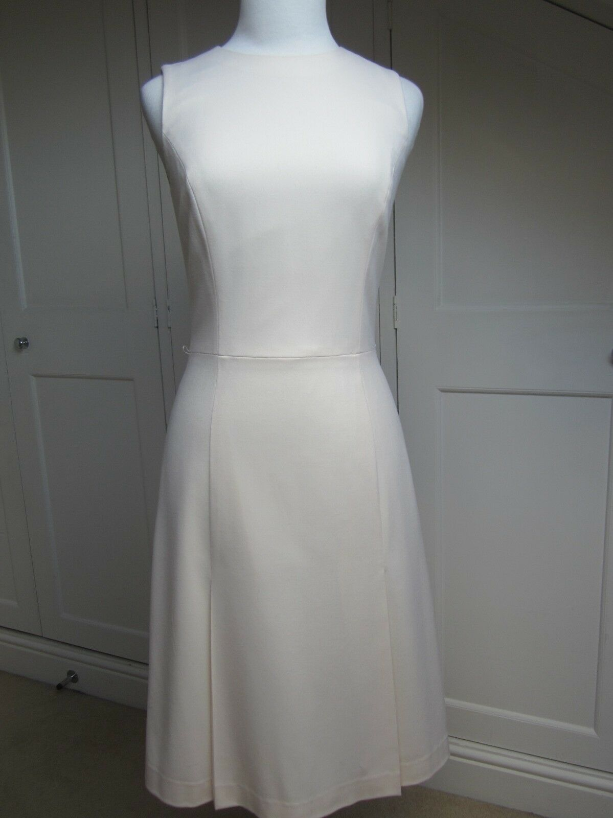 Theory Cream Cream Cream Wool Fitted Shift Dress. Size 8 (US 4) d9cd74