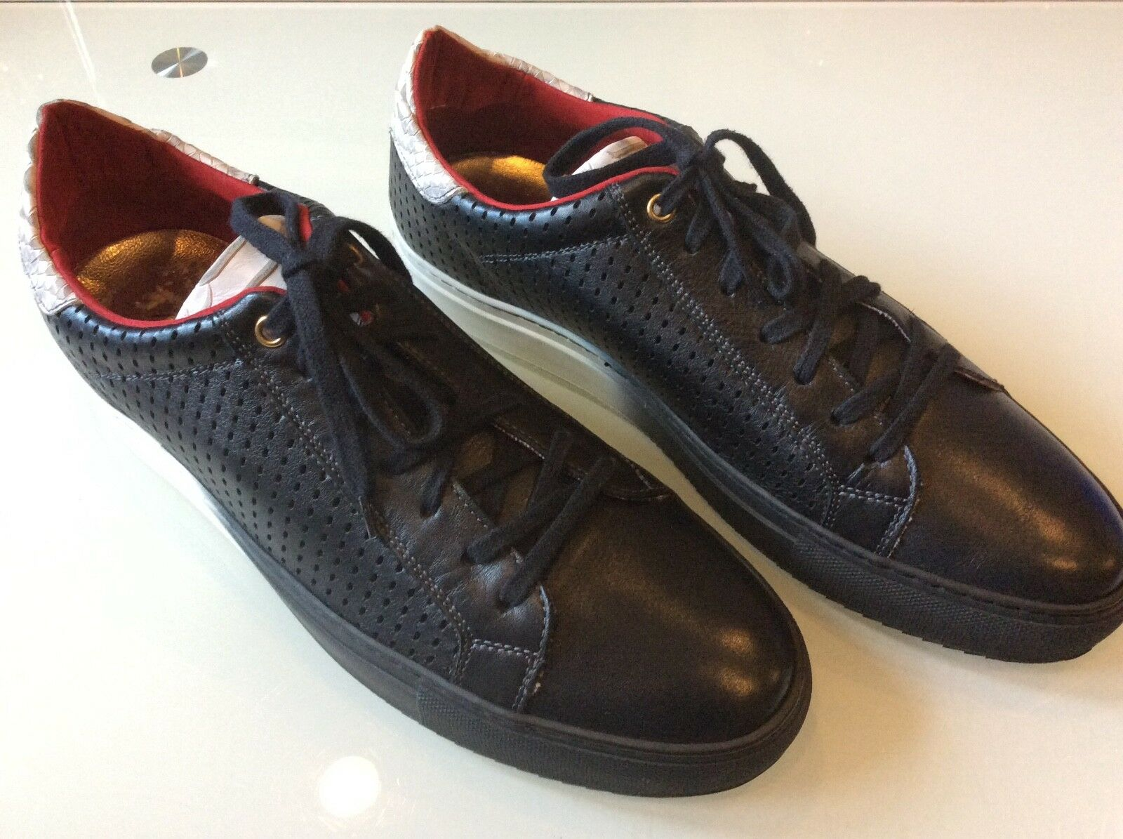 Bacco Bucci Mens Black Fredo Fashion Sneakers size 11   98.00