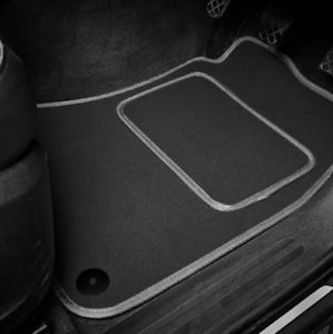 Quality Car Floor Mats Set In Black//Blue 2014 on Mercedes-Benz GLA-Class