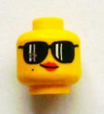 LEGO - Minifig, Head Female with Black Sunglasses, Red Lips and Smirk - Yellow