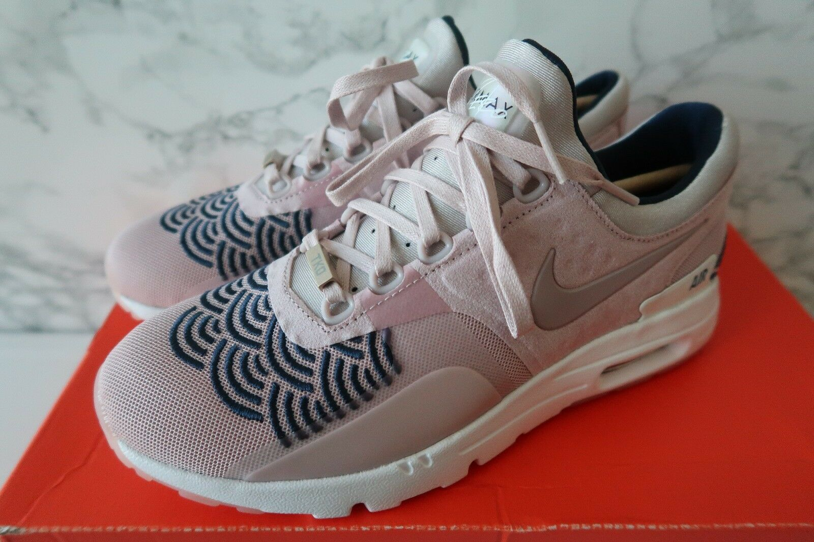 NIKE Women's AIR MAX ZERO LOTC QS TOKYO Limited Edition size 6.5 New with Box Seasonal clearance sale