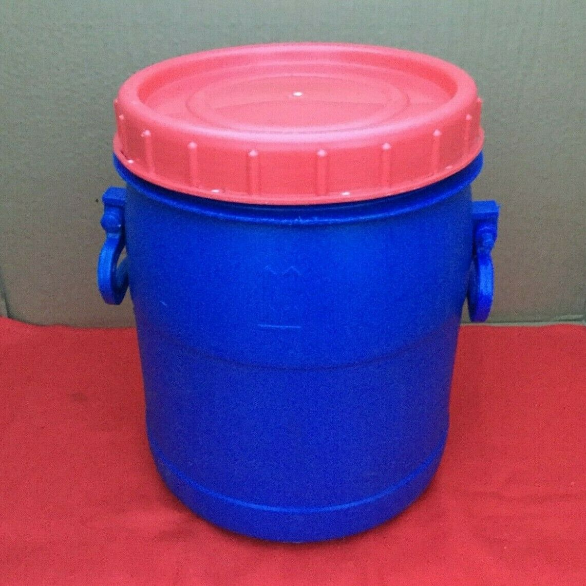 20 litre Blue Plastic Barrel Screw Top Lid Recycled Washed Food Grade BPA Free