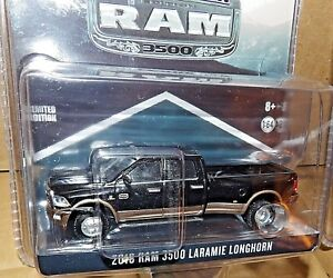 1-64-Greenlight-RAM-3500-BLACK-amp-WALNUT-DUALLY-LARAMIE-LONGHORN-exclusive-hitch
