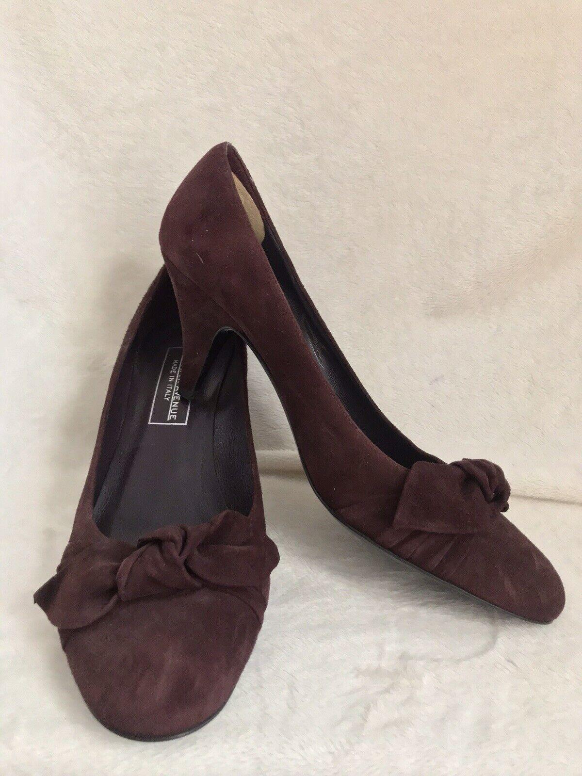 NUOVO SAKS 5TH AVE Borgogna Sue Leather  Pump Scarpe, misura 8.5, Kitten Heel  Nuova lista
