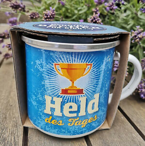Held-des-Tages-Becher-Pokal-Emaille-Schwarz-370ml-Metall-Kaffeebecher-Blau