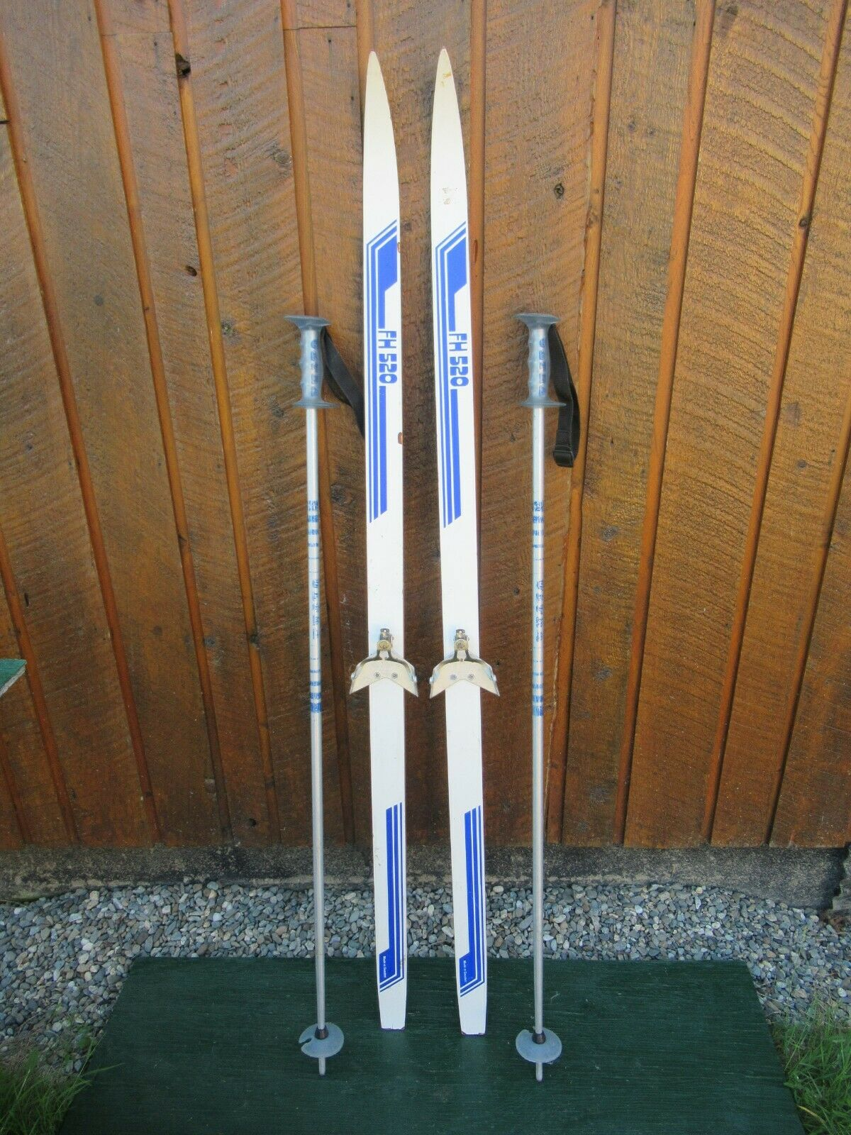 GREAT Ready to Use Cross Country 58  Long 145 cm Skis WAXLESS Base + Poles