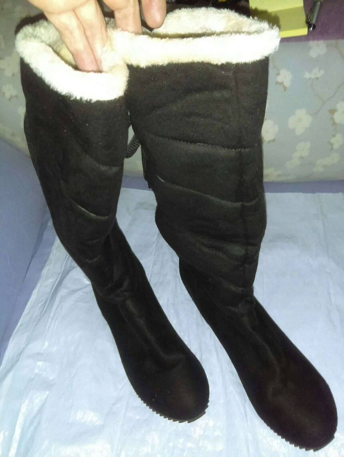 Brand New Black Suede Warm Water-resistant Winter Boots Womens 10.5