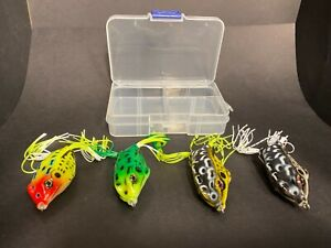 * Nouveau * Quatre Top Water 8 G Ray grenouille leurres avec étui et émerillons