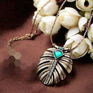 Art-Deco-Vintage-Leaf-Emerald-Green-Crystal-Antiqued-Gold-Pendant-Necklace