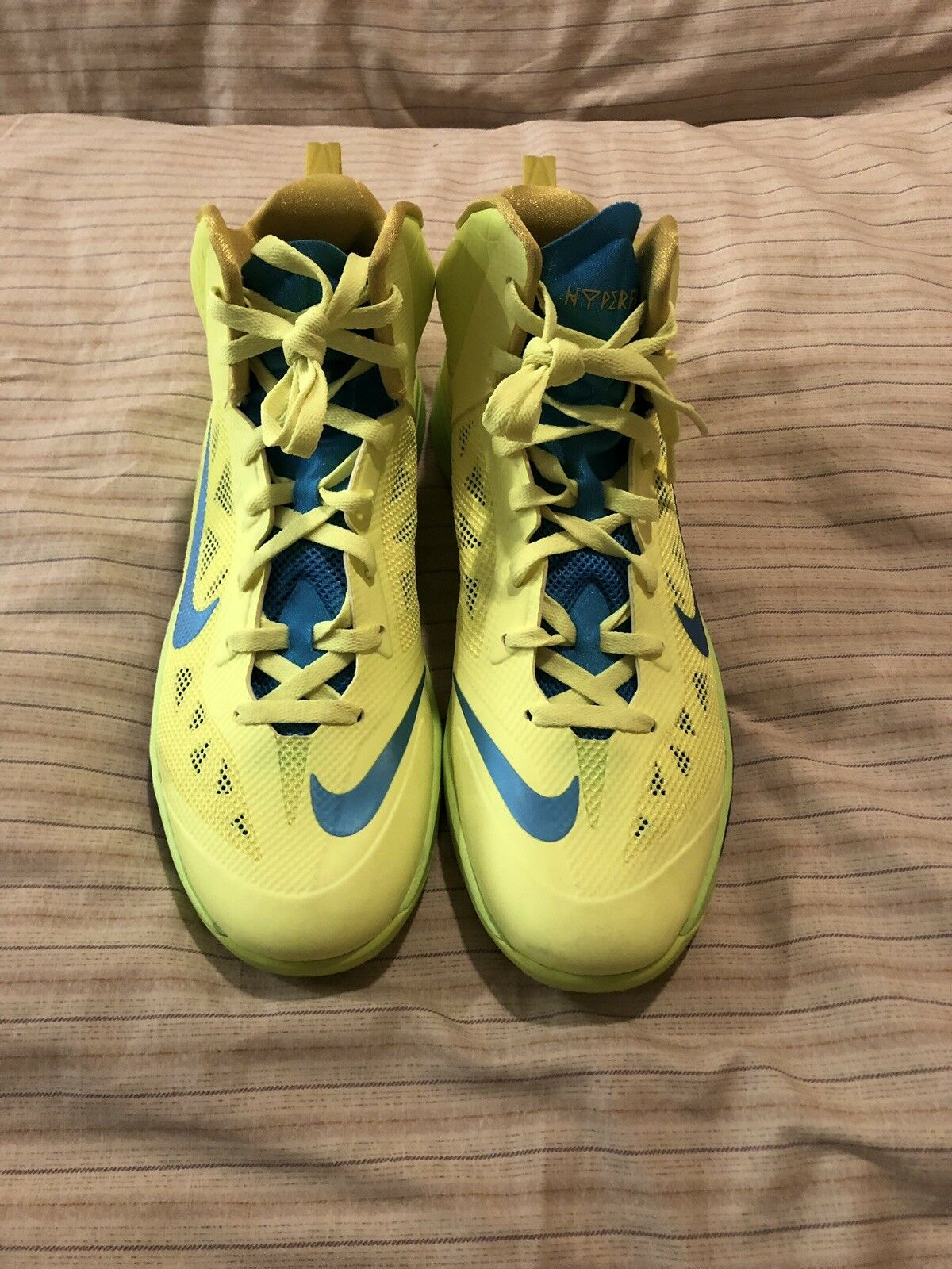 Brand New  Nike Zoom Hyperfuse 2013 Volt Green Yellow bluee Citron 12 Basketball