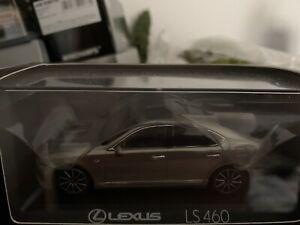Lexus Ls460 F-Sport 2015 Red Met KYOSHO 1:43 KY03659RM Model
