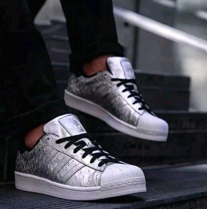 Adidas Originals Superstar Men's Silver Metallic AQ4701 size US 10