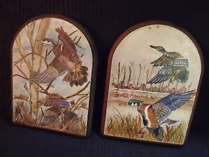VINTAGE QUALITY HANDPAINTED MALLARDS ON WOOD PLAQUES PAIR, UNSIGNED