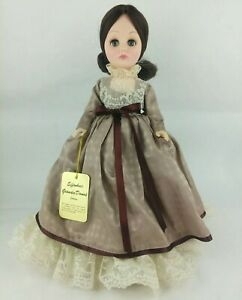 Effanbee-15-034-Grandes-Dames-Collection-Doll-Brunette-Coco-1978-with-tag-amp-stand