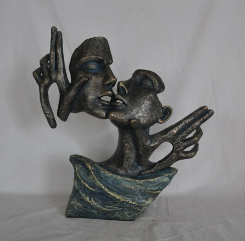 Bronzed Couple Kissing Valentine Day Special Sculpture Figurine Figure Sale Gift