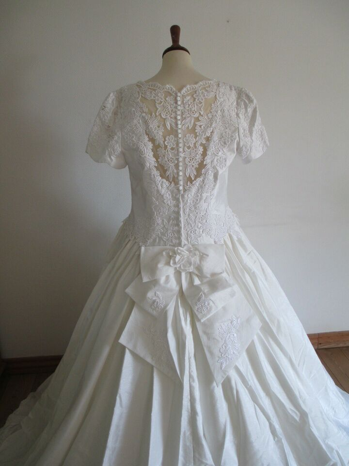 Brudekjole, Næsten som ny