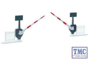 NB-51 Peco N Gauge Level Crossing Barriers (2) with Fencing x 1 set