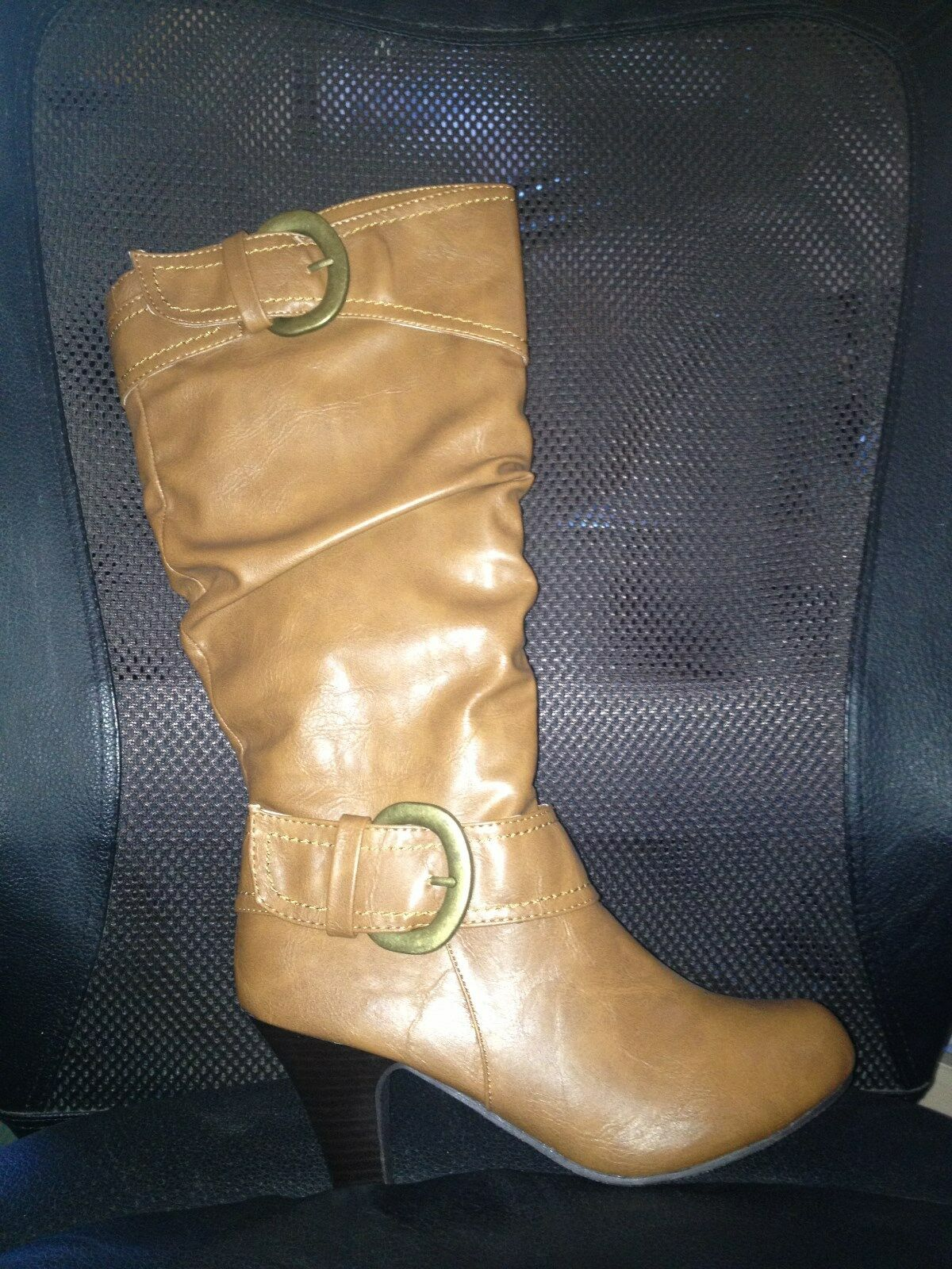 NIB Madden Girl Cognac Stiefel 7