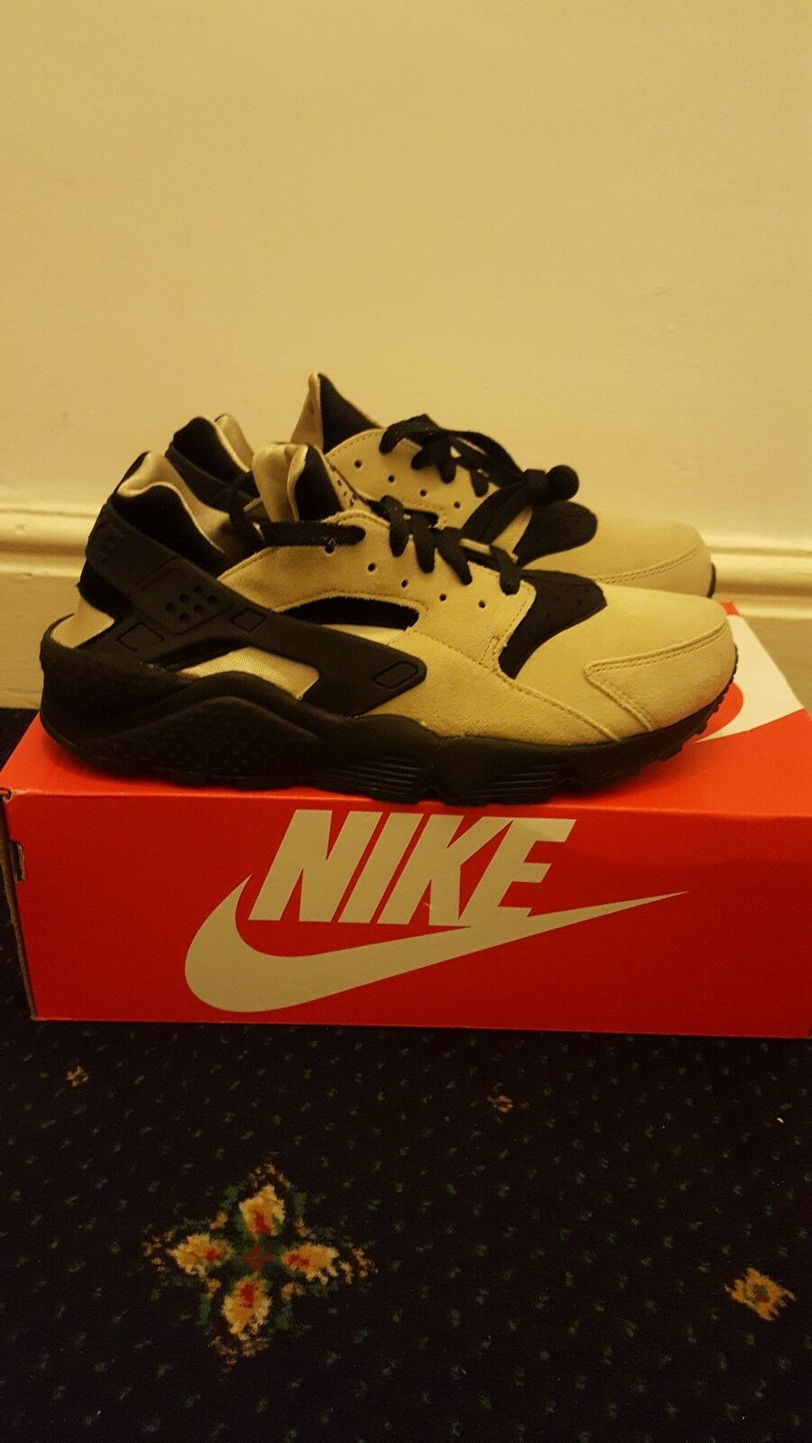 Nike Air Huarache Flint UK 7.5 US 8.5 8.5 8.5 BNWB 01191e