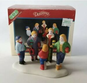 Lemax Dickensvale Christmas Village Gift Shopping Family Accessory 53143 AA32