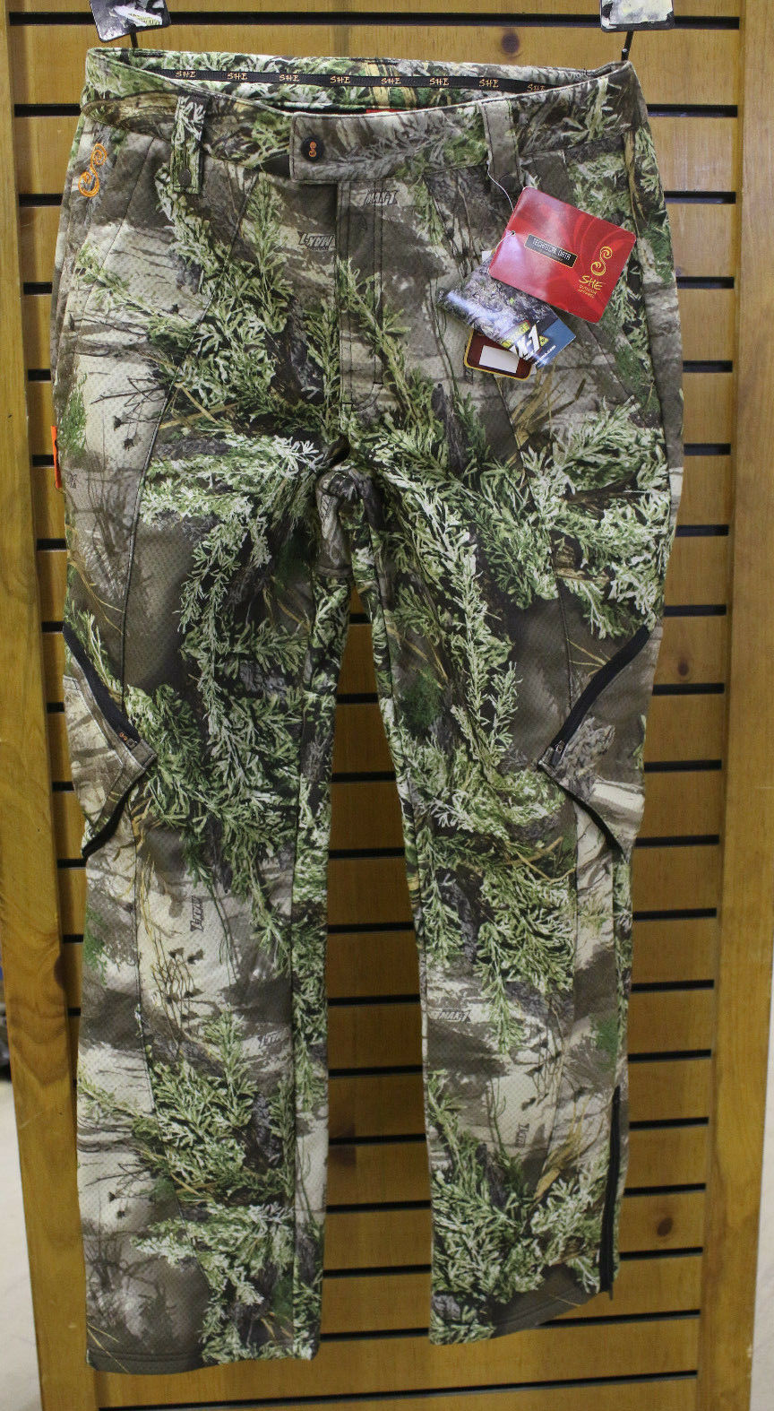 New SHE C2 Flex Fit MAX-1 CAMO Outdoor Apparel Hunting Pants WOMENS SIZE LG.