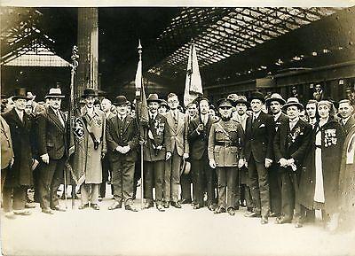 """""""crapouillots Belges à La Gare Du Nord 1931"""" Photo Originale G.devred (agce Rol)"""