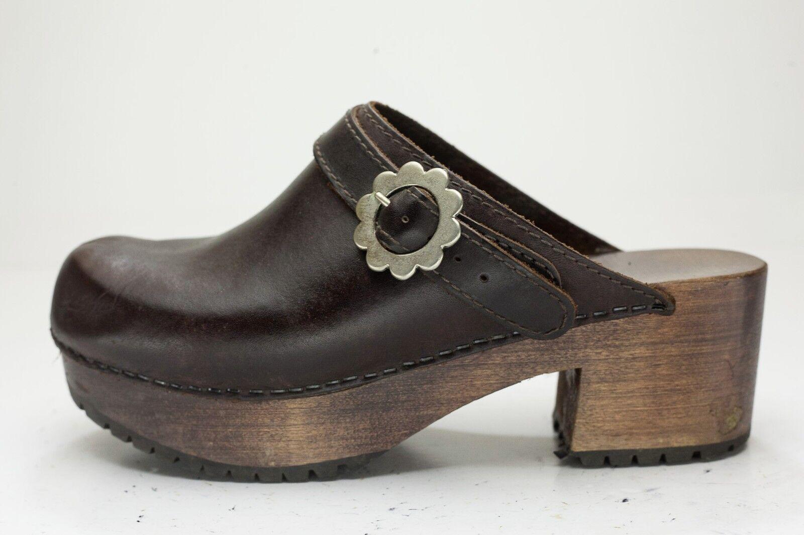 7.5 Brown 60's Look Platform Mules