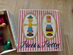 antikes Holzspielzeug, Patt und Petty, ca. 1950 - Hamburg, Deutschland - antikes Holzspielzeug, Patt und Petty, ca. 1950 - Hamburg, Deutschland