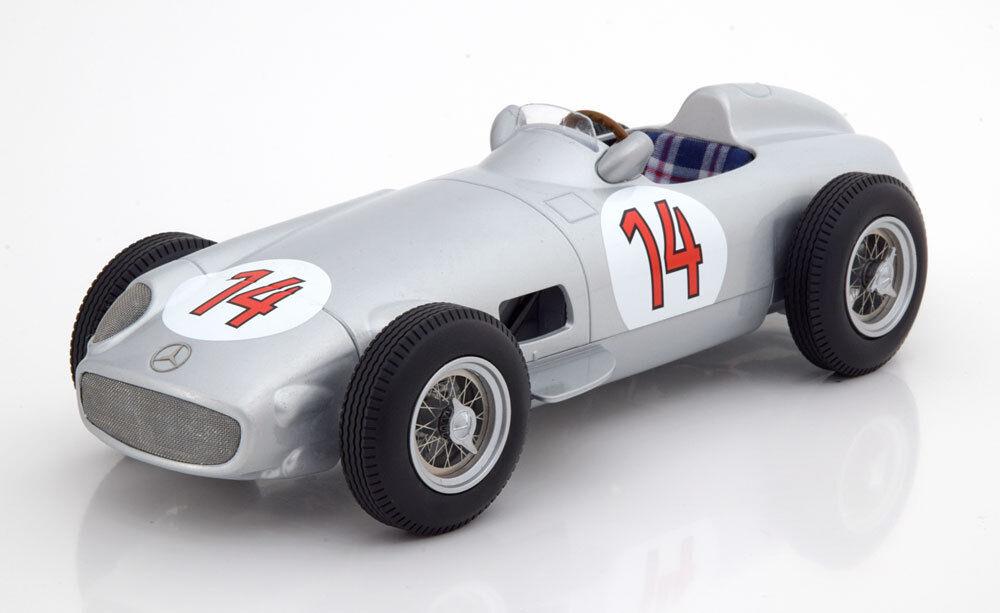 I Scale Mercedes Benz  W 196 GP Belgium 1955 Moss  14 1 18 Scale nouveau Release  marchandise de haute qualité et service pratique et honnête