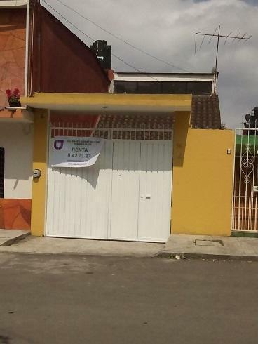 CASA EN RENTA  A UNA CUADRA DE MIGUEL ALEMÁN, DOS RECÁMARAS Y COCHERA