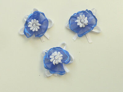 10 BEAUTIFUL WHITE FLOWER IN BLUE ORGANZA POZY WITH WHITE BOW ref  B402