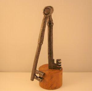Antica chiave iron key Clef Schlüssel llave,  DOPPIA. Francia, XVII Secolo