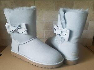 79f55ed6b13 Details about UGG Daelynn Grey Violet Leather Bow Suede Fur Classic Short  Boots Size 5 Womens