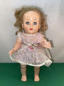 Vtg-1940-60-s-Plastic-Jointed-Legs-Knees-CUTE-DRESS-Sleepy-Eyes-Shut-10-Doll