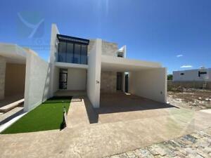 Casa Nueva en Venta Privada en Temozón Norte de 5 Habitaciones