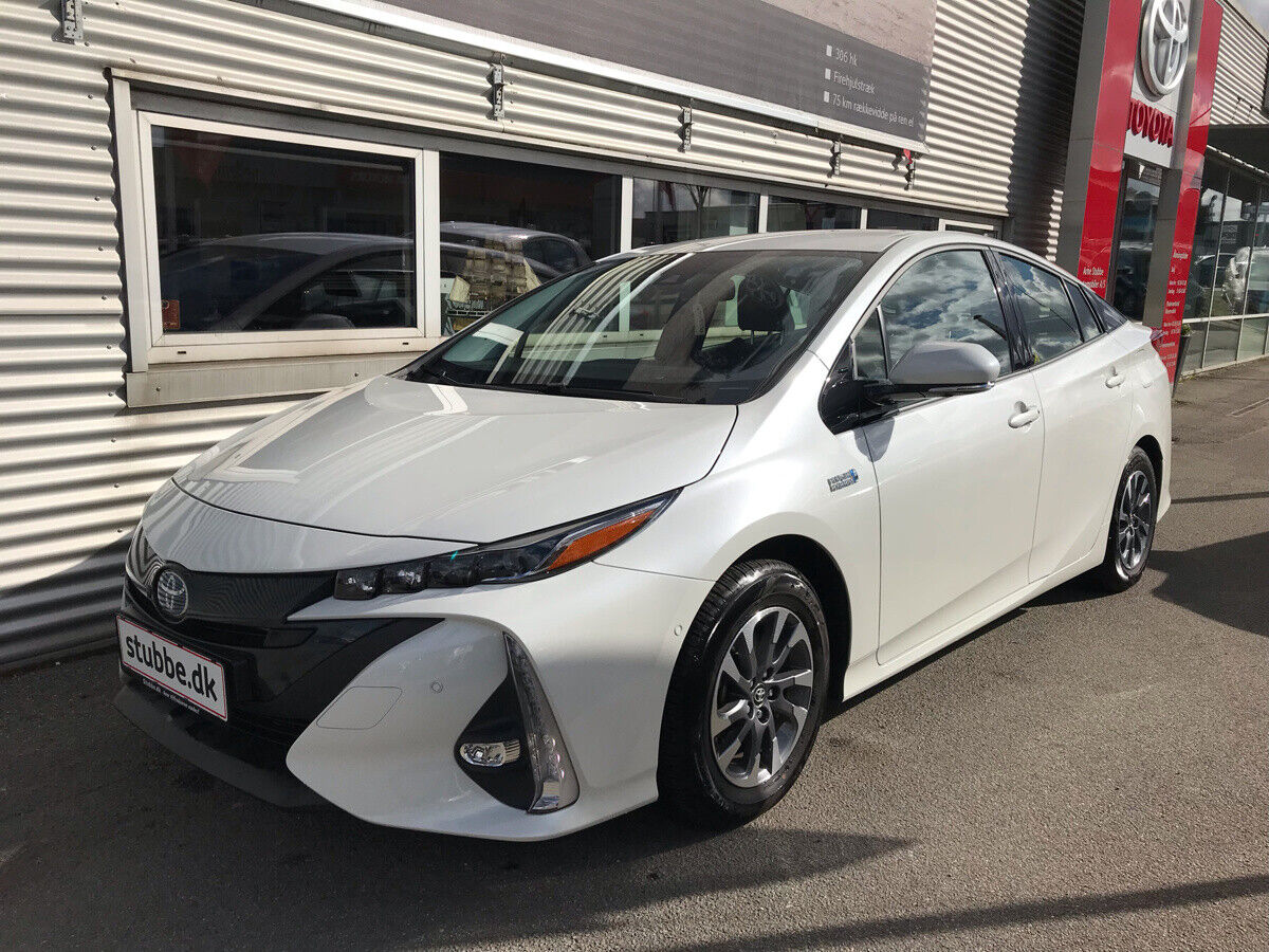 Toyota Prius 1,8 Plug-in Hybrid H3 Smart MDS 5d