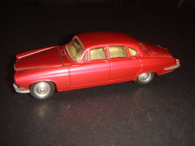 CORGI TOYS JAGUAR MARK X SALOON 238 BORDEAUX METAL