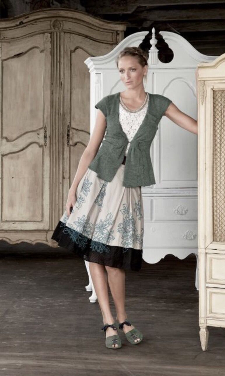 NEW Anthropologie Wild Gardens Embroidered A-Line Skirt Size 2