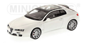 Minichamps-400-120334-amp-120574-Alfa-Romeo-Auto-Modelo-Blue-amp-White-la-escala-de-1-43