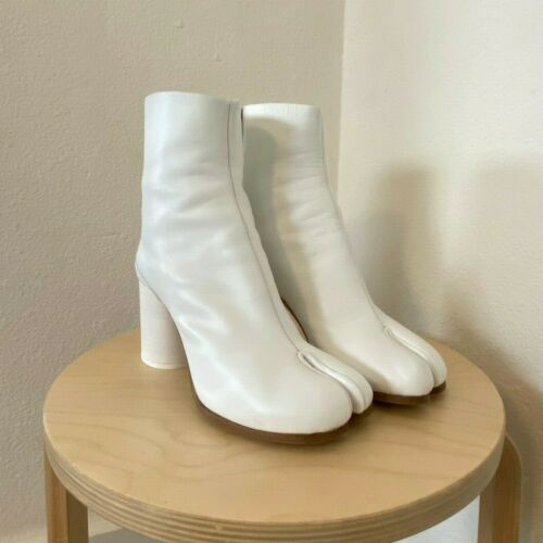 AUTHENTIC MAISON MARGIELA White TABI Boot — 37 — w
